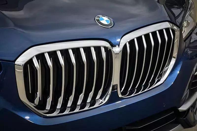 妥妥的全能优等生,海外试驾全新一代BMW X5