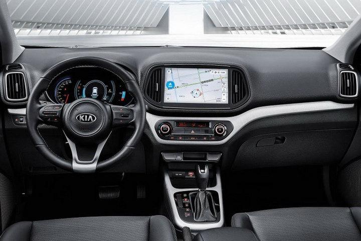 起亚KX3 EV内饰曝光 与燃油版相比变化不大