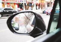 开车门引发交通事故,责任该怎么划分?新手司机注意了!