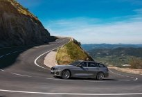 纯电续航里程可达56公里 全新一代宝马3系旅行插混版车型公布