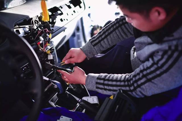 evo特殊测试|拯救耳朵(上)雪铁龙C5无损换装漫步者汽车音响体验