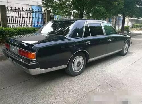 路遇稀罕神车,全国不超过3台,日本天皇坐了它40年