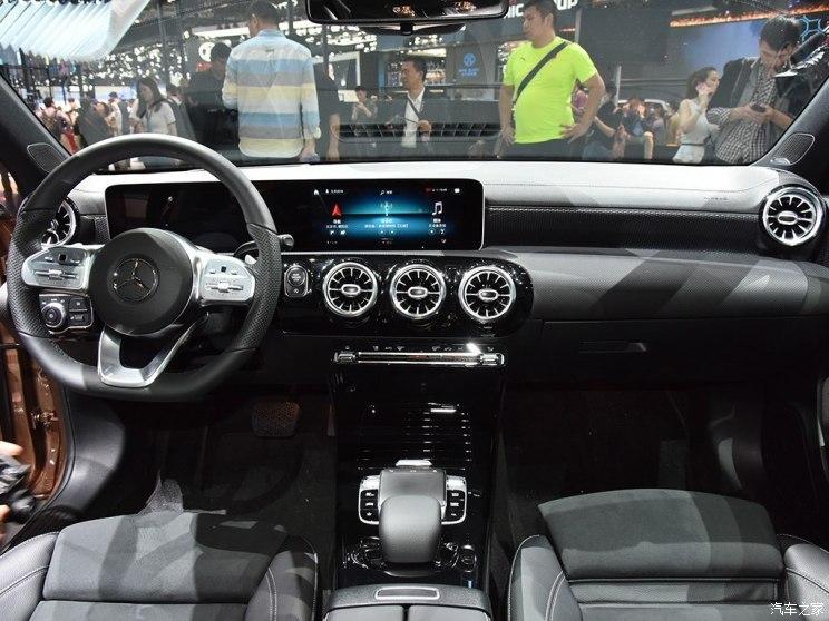 北京奔驰 奔驰A级 2018款 A 200 L 运动轿车