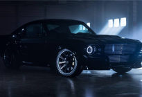 只见过2.3T和5.0L V8的福特Mustang?这里有台纯电的