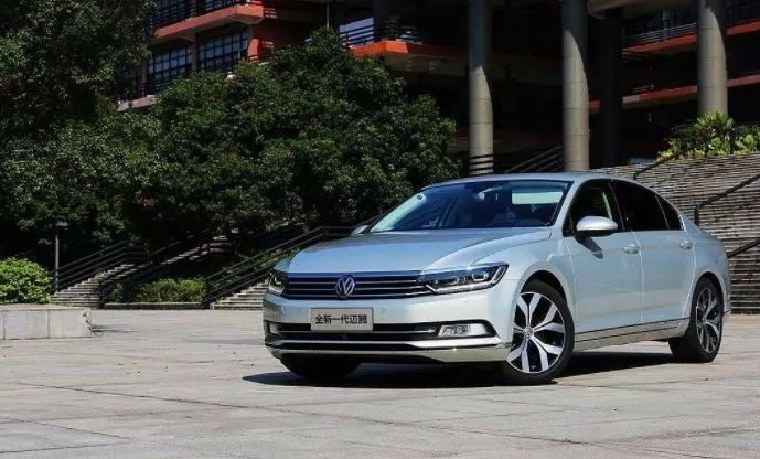 不要以为老款才降价,这些最新款车型,年底同样优惠好几万!