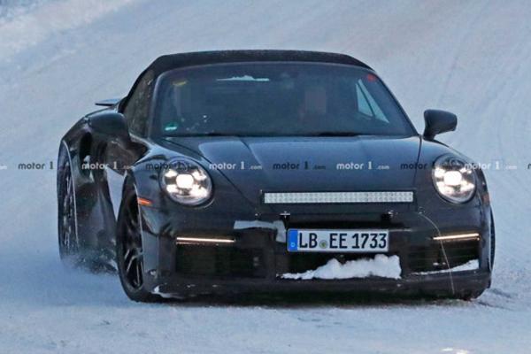 新款保时捷911 Turbo S Cabrio谍照曝光 或明年日内瓦亮相