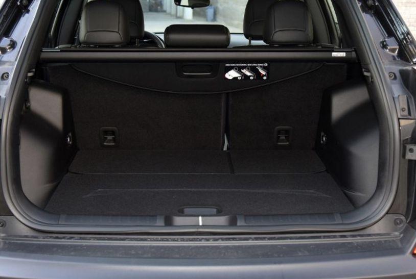 预算25万元想买台中型SUV 探岳和自由光该怎么选?