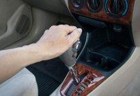M?#19981;騍挡什么时候用?怎样用不伤车?这1个误区很多人不在意