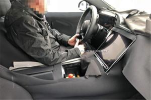 新一代奔驰S级内饰曝光,配备超大尺寸中控屏!
