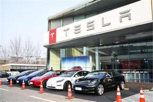 """谁能成为Model 3的第一个""""杀手""""?保时捷Taycan还是沃尔沃Polestar 2?"""