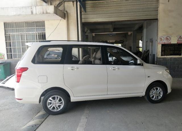 2019款新一代五菱宏光上市,设计理念更靠近SUV