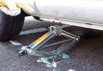 更换轮胎的正确步骤,你都知道吗?