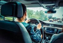 开手动挡车换挡时,离合要慢慢松还是快点松?搞明白了秒变老司机