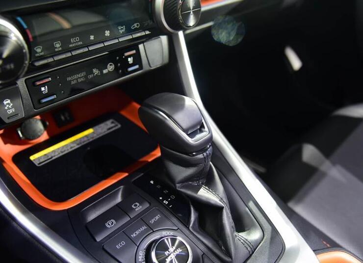 全新荣放、DS纯电动、新款哈弗H9,你会选择谁?