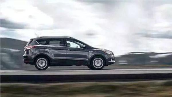 令人纠结的买车话题,SUV还是轿车?一对比你就明白了!