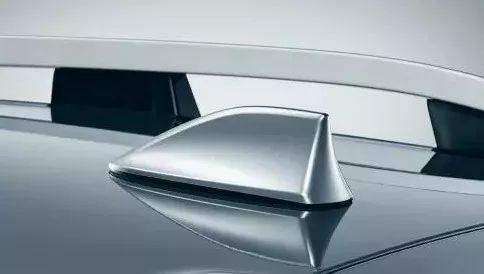 """汽车上的""""鲨鱼鳍""""只是装饰件?它的作用大着呢"""