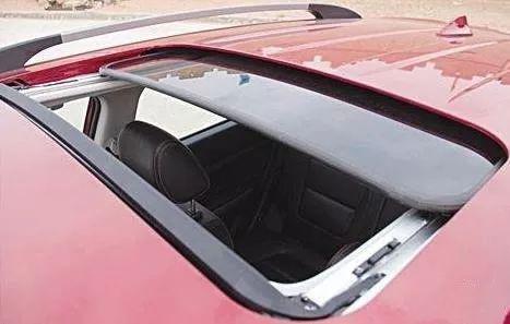到底要不要带天窗的车子?还在把汽车天窗当摆设?