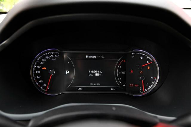 10万级SUV 起亚全新智跑是不是比哈弗H6更值得买?