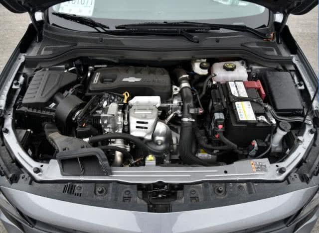 最便宜国六合资车,不到7万就拿下,颜值高配置丰富关键还省油