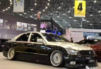 丰田12代皇冠变身为迈巴赫配色,豪华气质瞬间爆发!