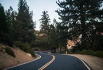 如何判断狭窄道路?#32422;?#30340;车辆能否通过?别耽误工夫