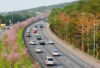 在高速公路出现事故,心里一慌怎么做才对?先不要打电话!
