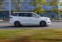 试驾新款宝骏360 CVT版,三排六座舒适才是重点