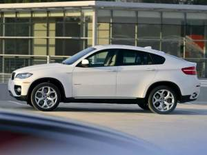 轎跑鼻祖換代上市,你會買X5還是選擇買它?
