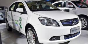 10萬元級別電動轎車 該如何???