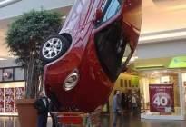 【汽车年轮】奇葩车祸大盘点,分分钟让人笑出腹肌