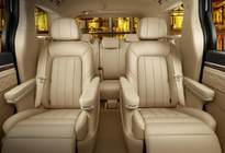 国产保姆车!2.0T+8AT,7座配航空椅,18万不输埃尔法