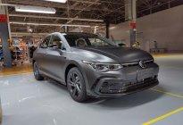 基于R-Line车型打造、采用专属车漆 全新高尔夫黑武士版亮相