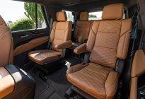 全新凯雷德车长超5.7米,百场万级气,6.2L V8很难得