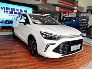 高性价比家轿,北京U5 PLUS硬刚吉利帝豪,胜算在哪?